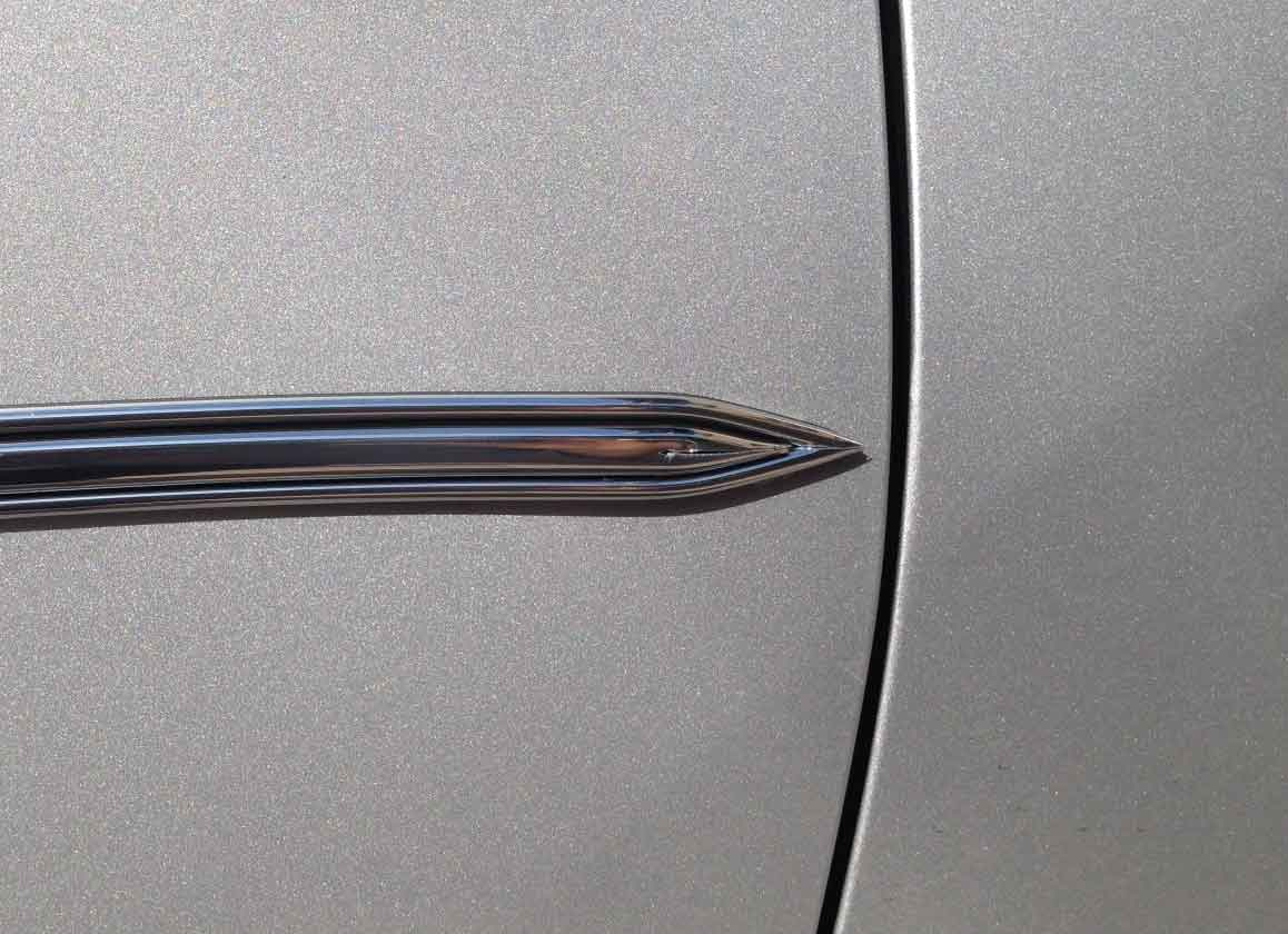 5/8 inch Chrome Edge w/ Chrome Center Body Side Molding w/ Pointed Ends - 2 Pc Set, 13 Ft each pc.